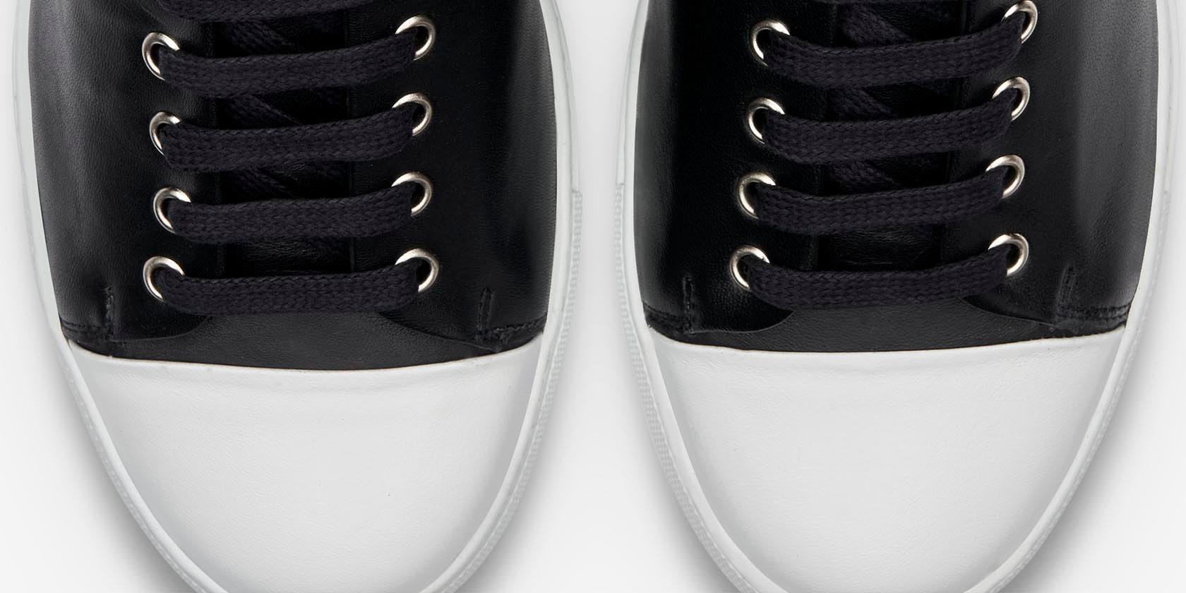 Design Details for Erving | Monochrome